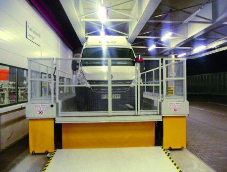 Погрузочный подъёмный стол Yale РLX/PL